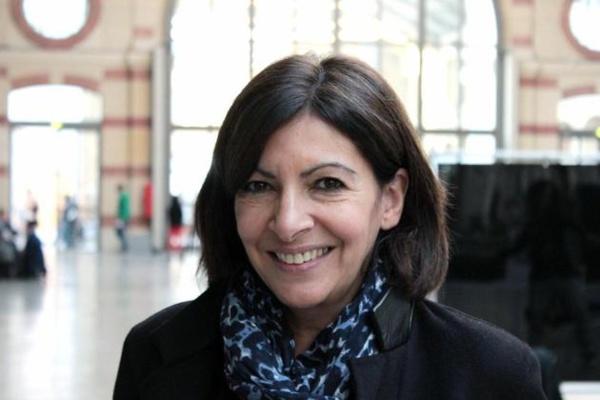 Anne Hidalgo veut la régularisation de 500 clandestins