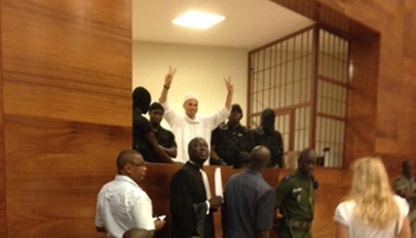 Procès de Wade-fils - Les souteneurs de Karim chambrent Me El Hadji Diouf: Bibo débarque au Tribunal !