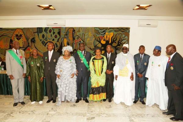 Liste des dignitaires élevés dans l'Ordre national du Lion et l'Ordre national du mérite: Trois journalistes parmi les récipiendaires (Photos)