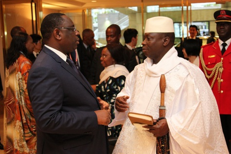 Dakar condamne la tentative de putsch contre Yaya Jammeh