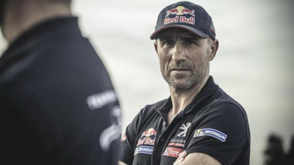 """Dakar - Pour Peterhansel, Peugeot """"est un peu court"""" pour espérer gagner"""