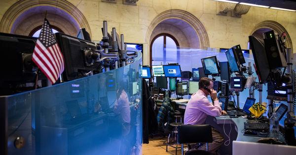 Le baril de pétrole tombe sous les 50 dollars et inquiète les Bourses