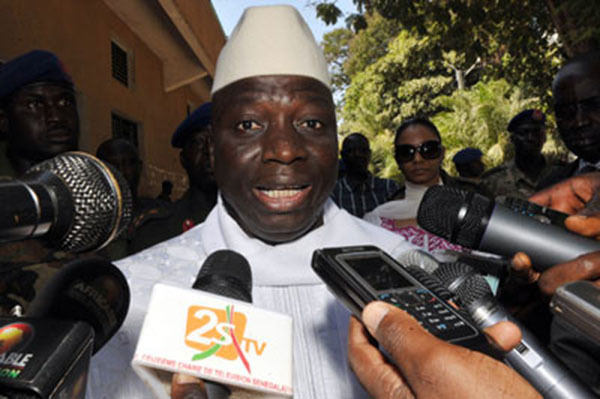 """Jammeh menace de se """"débarrasser jusqu'au dernier"""" des meneurs de l'attaque contre son palais"""
