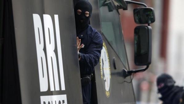 Vidéo - Paris: Une fusillade et une prise d'otages dans une épicerie Porte de Vincennes