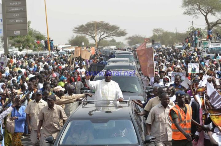 """Pose de la première pierre de l'autoroute """"Ila Touba""""-Discours du Président de la République Macky Sall ( Vidéo)"""