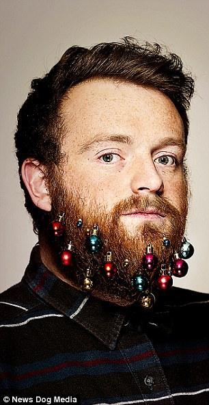 Oubliez le sapin, on a créé les boules de Noël pour barbe ! Et dire qu'elles sont déjà en rupture de stock...