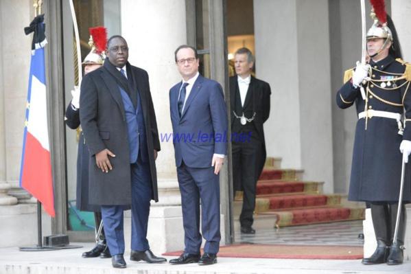 """A Paris, Macky Sall s'engage avec la France dans """"la lutte contre l'extrémisme violent et le terrorisme"""""""