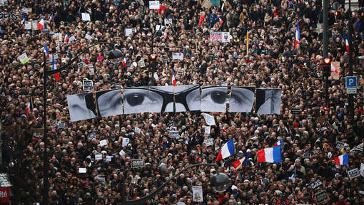 """Hommage aux victimes de """"Charlie Hebdo"""":  3,7 millions de manifestants à travers toute la France"""