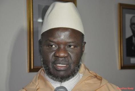 """Choqué par l'attitude de """"Charlie Hebdo"""", Imam Mbaye Niang condamne la présence de Macky Sall à la marche de Paris"""