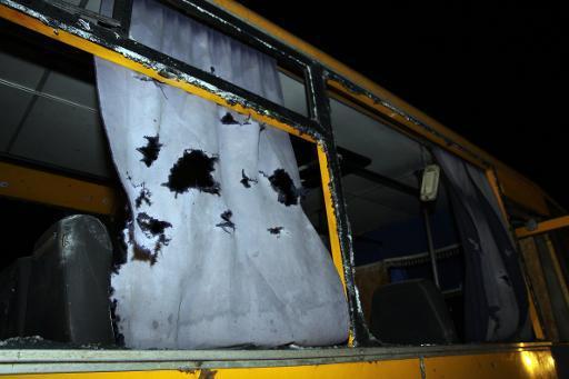 Ukraine: onze civils tués dans un bus touché par des roquettes