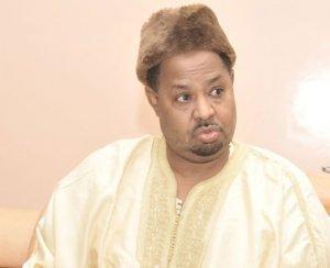 Ahmed Khalifa Niasse loue, fustige et met en garde