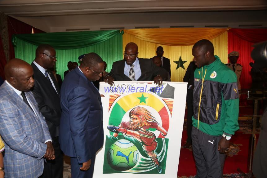 Macky Sall salue « la brillante victoire » des Lions