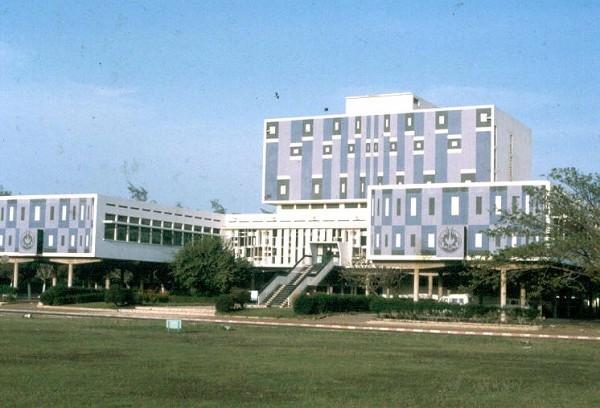 Enseignement supérieur : L'Université Cheikh Anta Diop bientôt refectionnée
