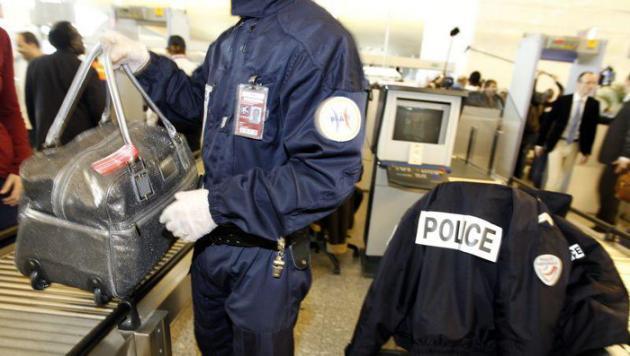 Deux policiers de Roissy en garde à vue pour trafic de drogue