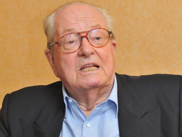 Jean-Marie Le Pen blessé après un incendie à son domicile