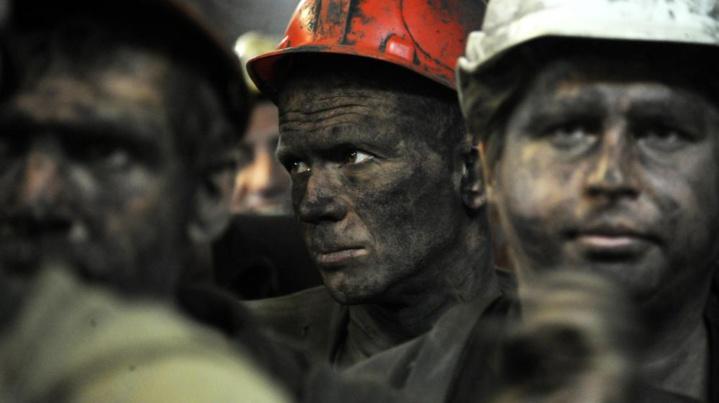 Ukraine : près de 500 mineurs bloqués sous terre après un bombardement