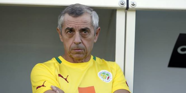 """Sénégal-Algérie: Alain Giresse assure que """"le moral des Lions est au beau fixe"""""""