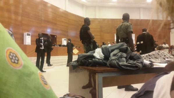"""Le mouvement """"Ok Karim"""" demande aux autres magistrats de la Crei d'imiter Yaya Abdou Dia"""