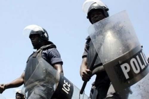 Venus aux nouvelles de Mamadou Diop Decroix, en détention au commissariat central de Dakar : Les jeunes d'AJ/PADS dispersés par les forces de l'ordre