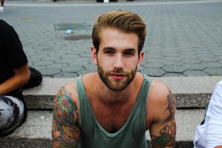 24 raisons complètement logiques de sortir avec un homme tatoué !