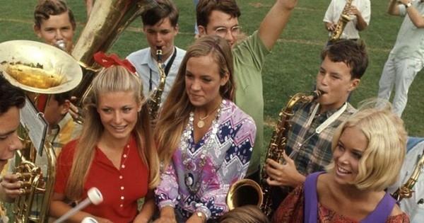 En 1969, voilà à quoi ressemblait la mode chez les lycéens !