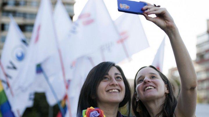 Le parlement chilien valide une union civile pour les couples homosexuels