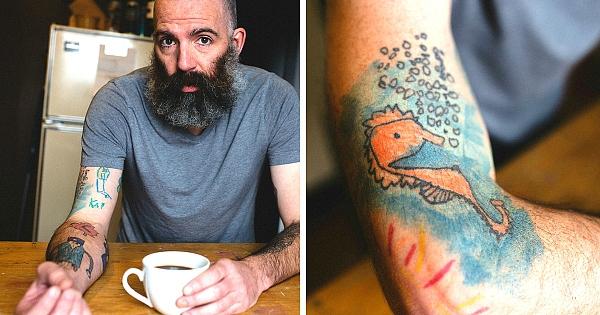 Ce papa se fait tatouer les dessins de son fils sur le bras depuis qu'il a 5 ans ! Il l'a vraiment dans la peau ce gosse...