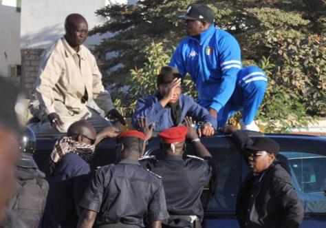 Marche du PDS : Les apéristes accusent les libéraux de vouloir agresser Wade pour en faire porter le chapeau au régime