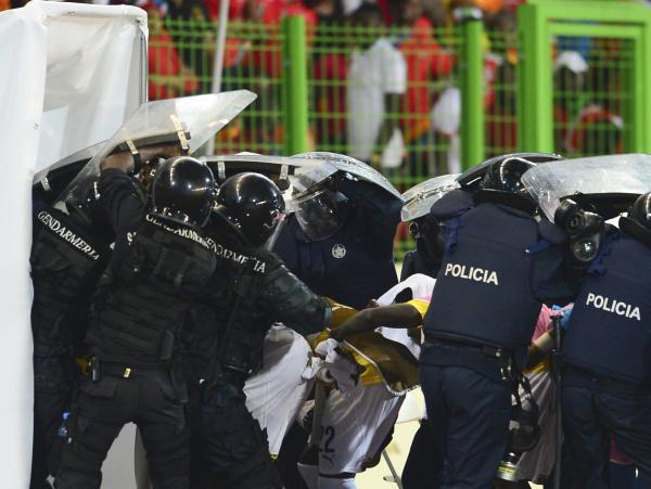 Can 2015 : Laminés par le Ghana, les Equato-Guinéens gâchent la fête et mettent le feu à Malabo