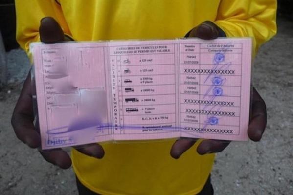 Trafic de permis de conduire : le service des Mines éclaboussé, des hommes arrêtés