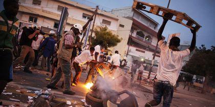 Chaude nuit à Thiaroye: Jeunes et gendarmes s'affrontent