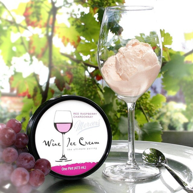 La glace au vin existe ! Un bon moyen pour se faire plaisir et se bourrer la gueule en même temps.