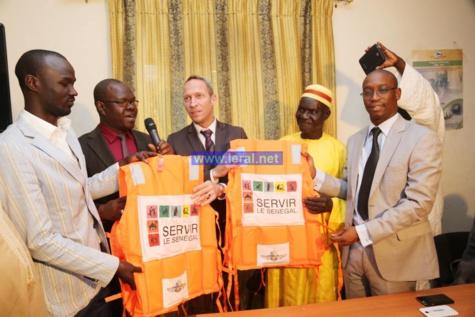Sécurité en  mer :   La Fondation servir le Sénégal offre 200 gilets de sauvetage aux pêcheurs de Ouakam