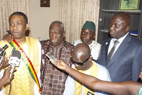 """Lettre ouverte à Youssou Ndour: """"Rendez-nous notre titre de maire honoraire"""""""