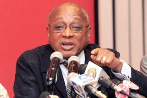 """Me Yerim Thiam, avocat de l'Etat : """"Karim ne peut être président au Sénégal"""""""