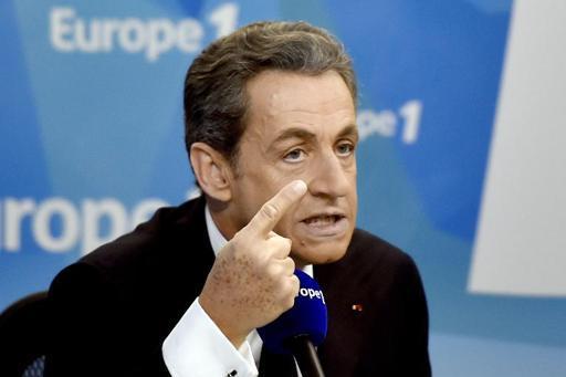"""Sarkozy dénonce les """"mensonges"""" de Hollande, sa candidature en 2017 pas """"obligatoire"""""""