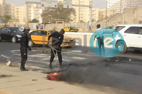 """Réquisitoire """"sévère"""" contre Karim Wade : Les libéraux brûlent déjà des pneus"""