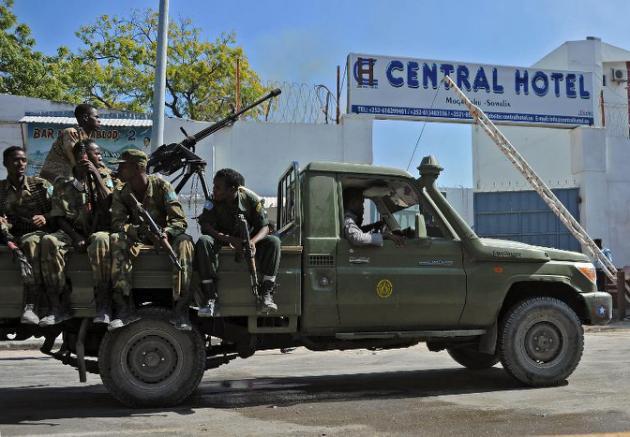 Somalie: au moins 25 morts dans une attaque shebab contre un hôtel de Mogadiscio