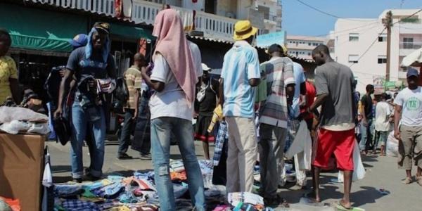 Quelques mois après le désencombrement des artères de la capitale : Dakar retrouve ses marchands ambulants