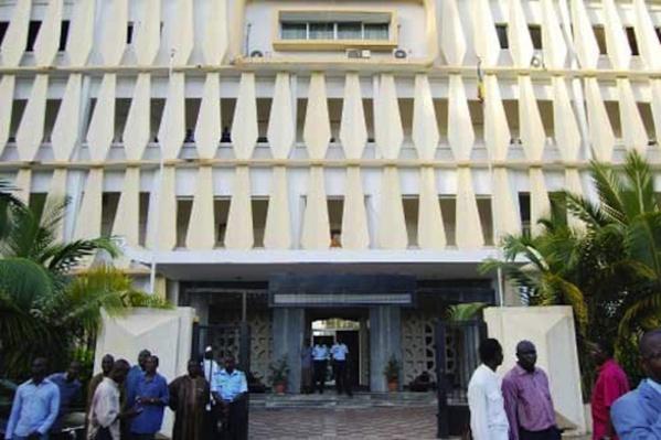 Le  ministre de l'Intérieur délivre  au Parti Justice et Développement son récépissé