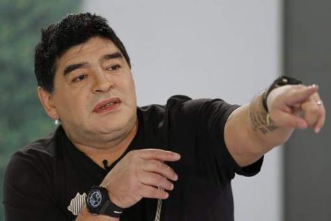 Diego Maradona succombe à la chirurgie esthétique