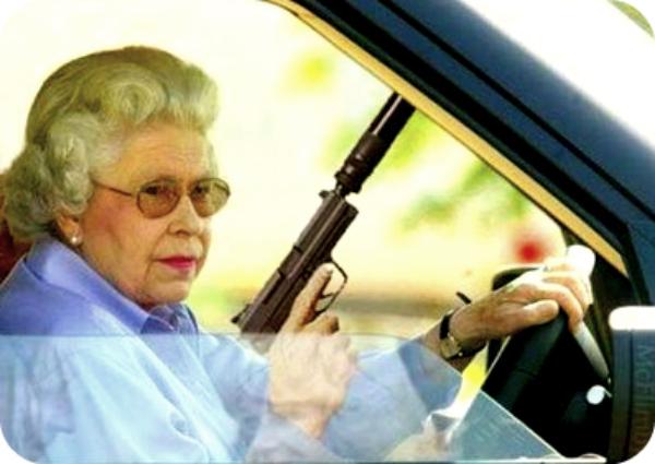 Top 10 des signes qui indiquent que votre grand-mère veut vous tuer