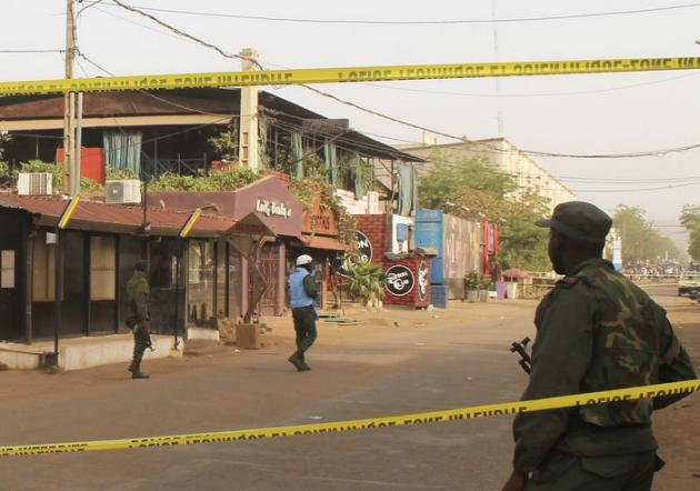 Cinq morts, dont un Français, dans une attaque à Bamako