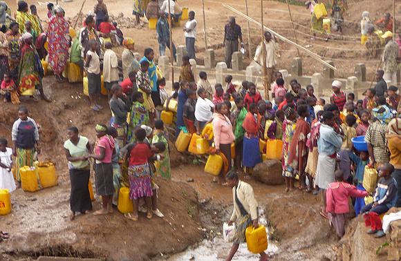 Rapport de l'Ong Wateraid  : 800.000 femmes meurent chaque année par manque d'accès à l'eau potable