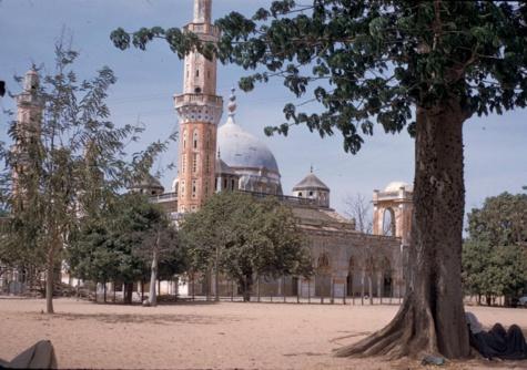 Arrêt sur image: La Mosquée de Diourbel en avril 1959