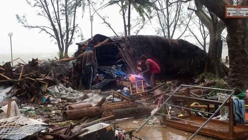 Son pays ravagé par un violent cyclone, le président du Vanuatu appelle à l'aide internationale