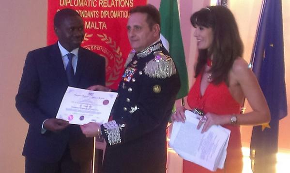 Le Ministre Omar Youm a reçu à Rome le Prix de la paix décerné au Président  Macky Sall