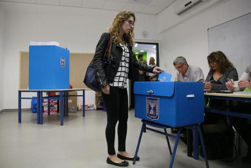 Les Israéliens votent pour tourner ou non la page Netanyahu