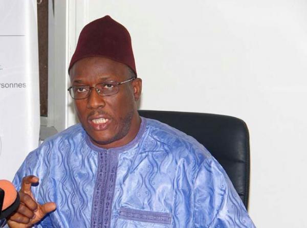 """Cheikh Oumar Hann, maire de Ndioum : """"Me Sall est un multirécidiviste des appels à l'insurrection..."""""""