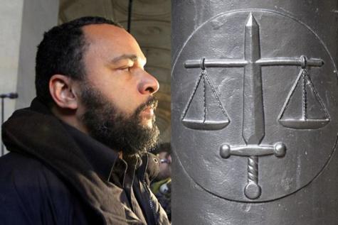 """""""Je me sens Charlie Coulibaly"""" : Dieudonné condamné à deux mois de prison avec sursis"""